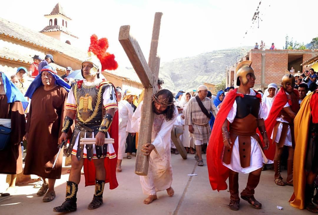 Vía Crucis en vivo.