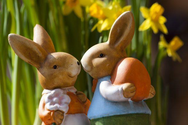 Pareja de conejos de Pascua