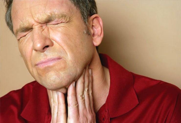 Cuando la garganta está irritada, pica