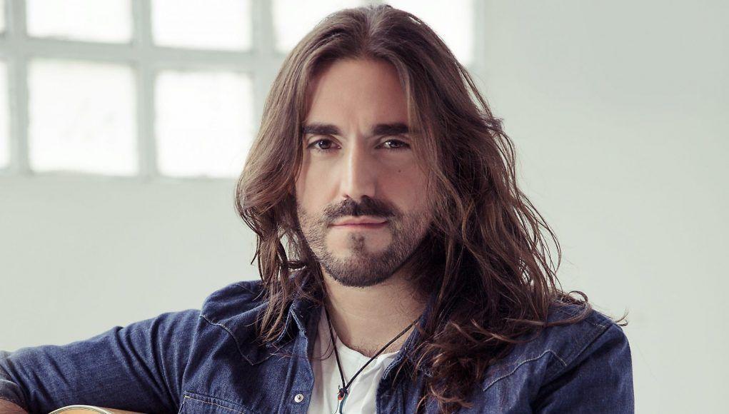 Imagen del cantautor Andrés Suárez